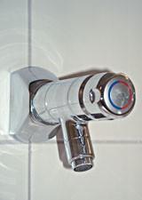 Selbstschluss Eingriffmischer als Wandbatterie Ausladung 130mm